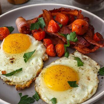 Εξι φαγητά που δεν πρέπει ποτέ, μα ποτέ να μαγειρέψετε σε κατσαρόλα ή τηγάνι από χυτοσίδηρο