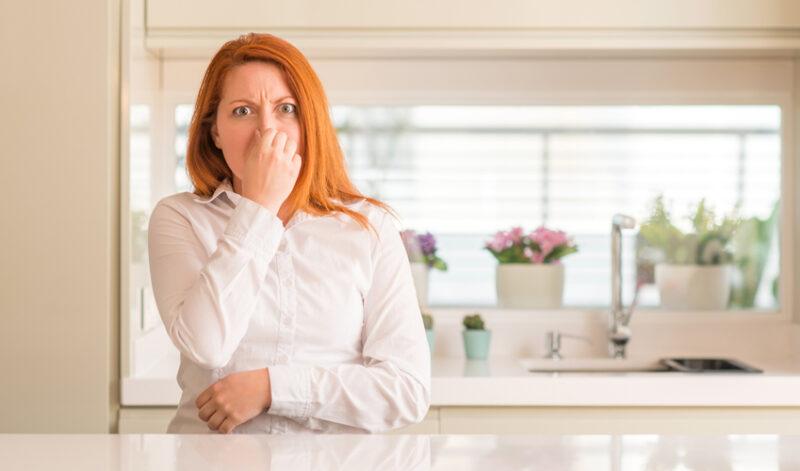 Ενοχλητική μυρωδιά στο σπίτι; Αυτές είναι οι πανεύκολες λύσεις