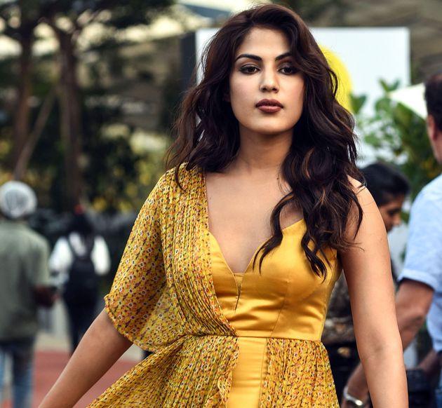 Ελεύθερη με εγγύηση η ηθοποιός του Μπόλιγουντ Ρέα Σακραμπόρτι: Το σκάνδαλο που συγκλονίζει την Ινδία