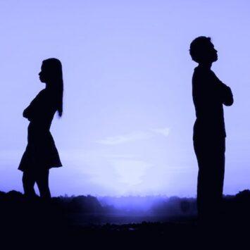Πώς να ξεπεράσουμε έναν χωρισμό σύμφωνα με τους ψυχολόγους